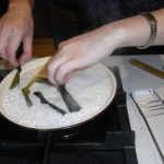 removing-knotted-pandan-strips-from-sticky-rice